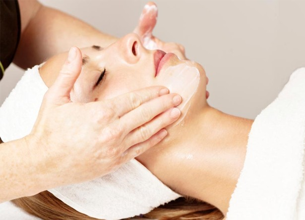 Special Facial Massage with Vitamin